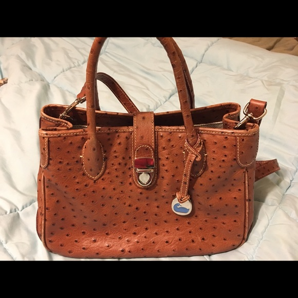 e7a1ad1920 Dooney & Bourke Bags | Euc Dooney Bourke Ostrich Embossed Purse ...